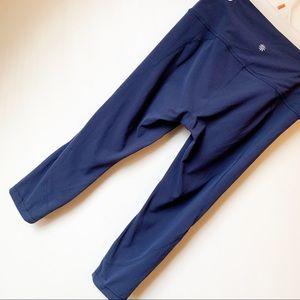 Athleta Pants - EUC - Athleta - Navy Blue Cropped Leggings